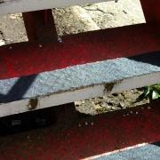 Voorbeeld antislip voor ongelijke ondergrond trap