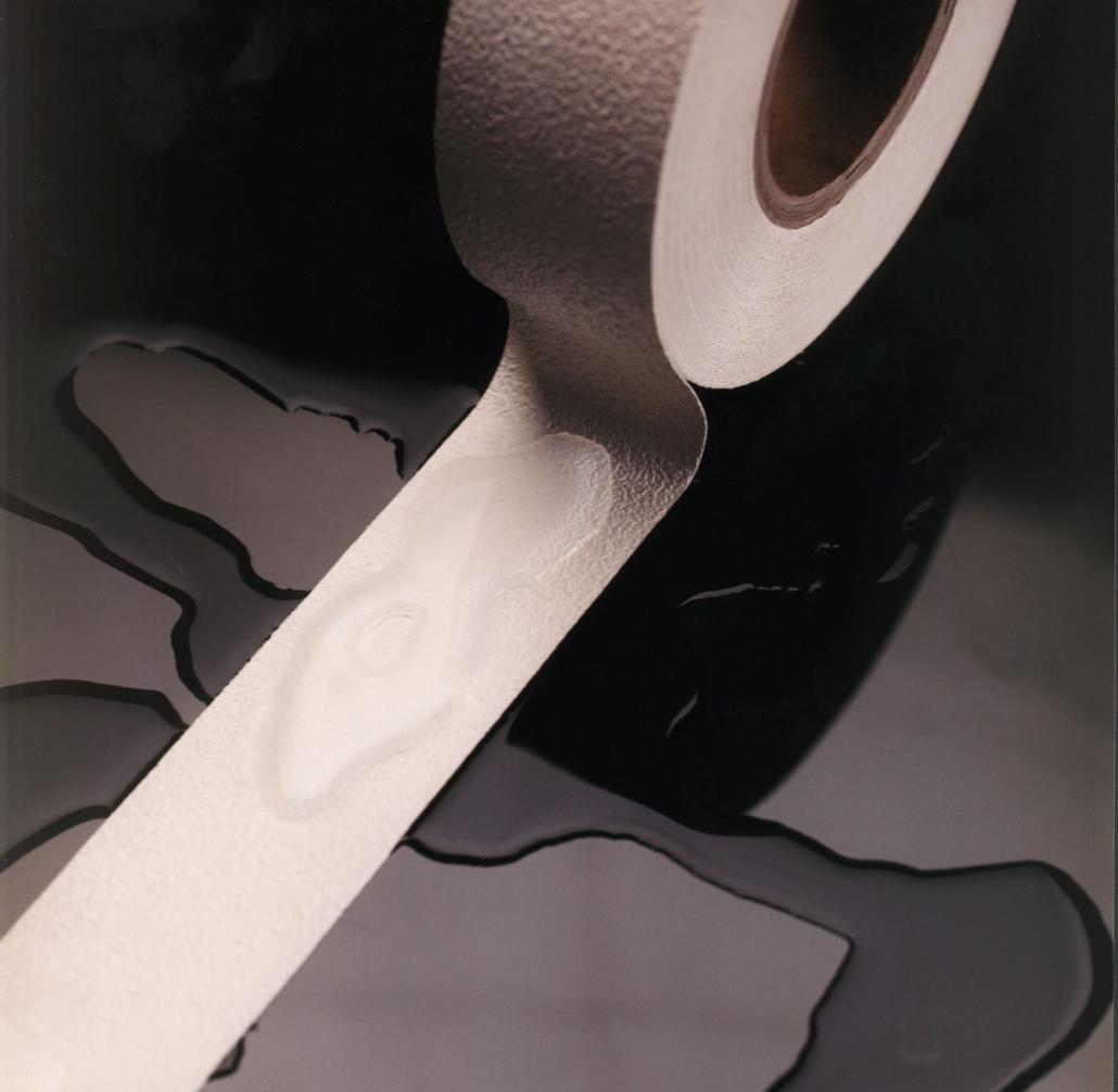 Smooth antislip tape